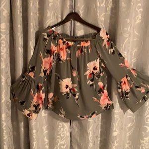 Make offer! WHBM flutter sleeve Floral Top- Medium